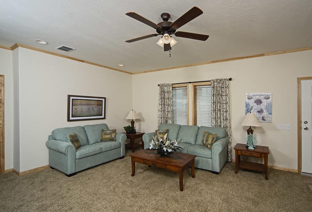 Champion Barclay 6015 Living Room1