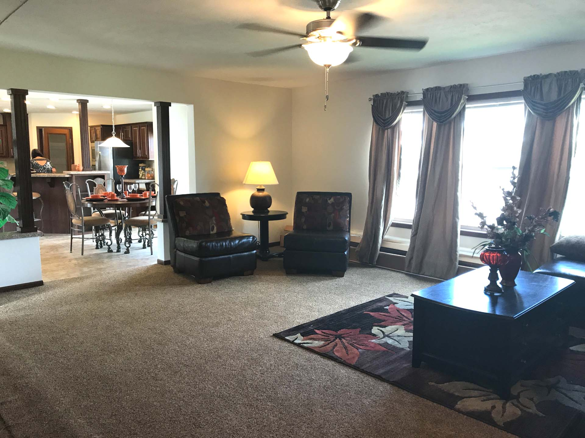 Commodore RX806 Pinewood Henderson Family Room 3