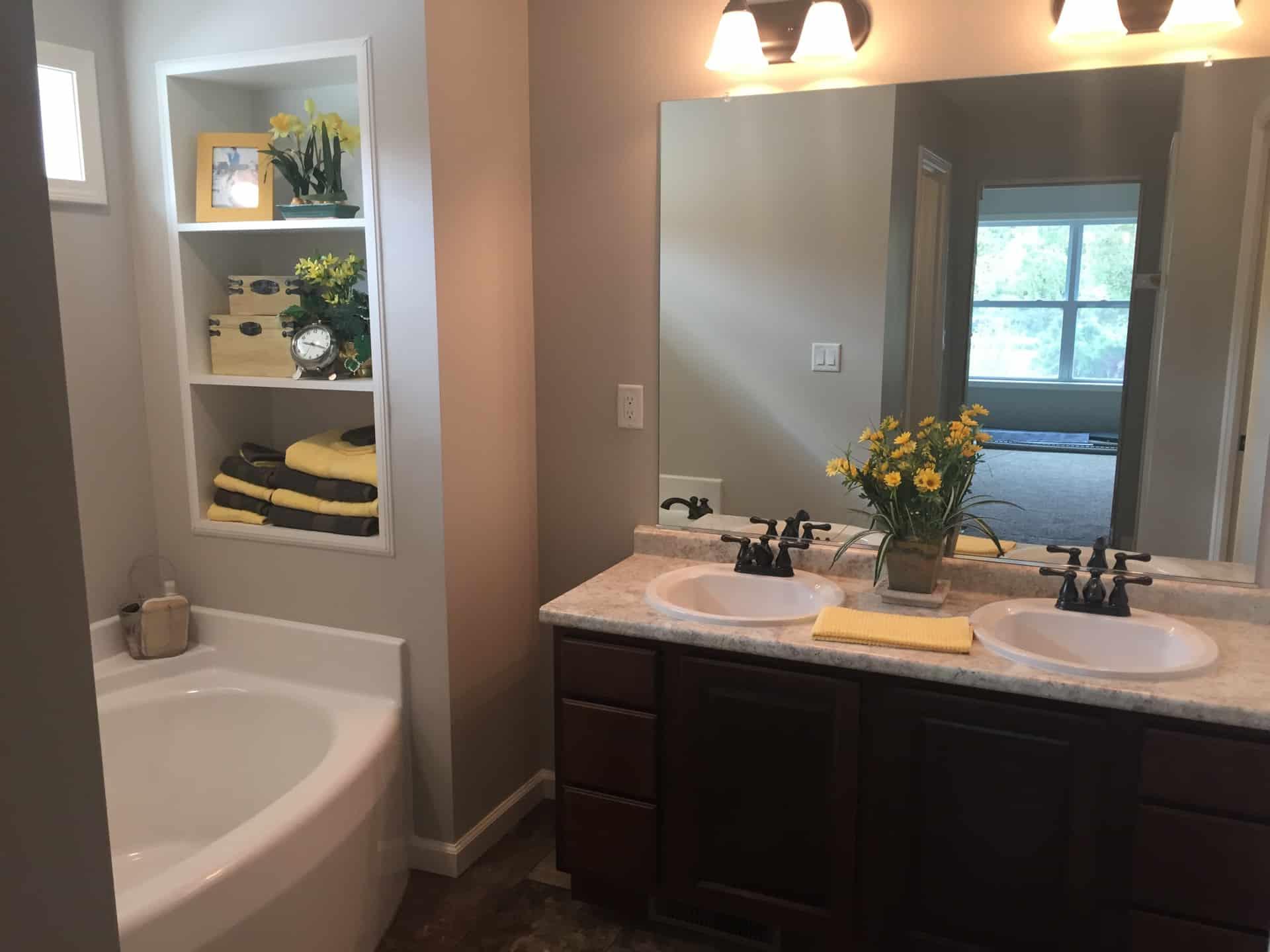 Unibilt Kenwood Chillicothe Bathroom (2)