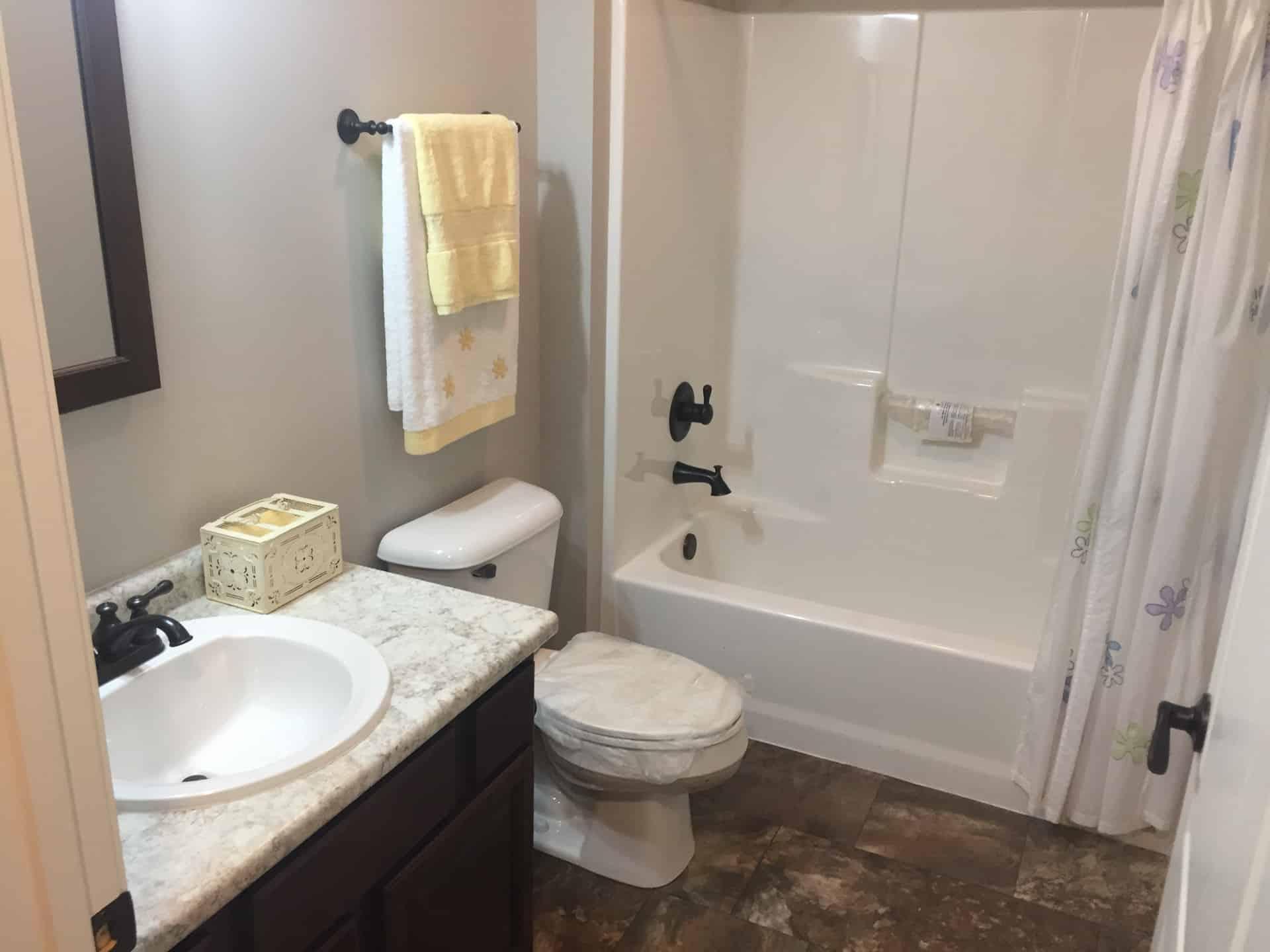 Unibilt Kenwood Chillicothe Bathroom