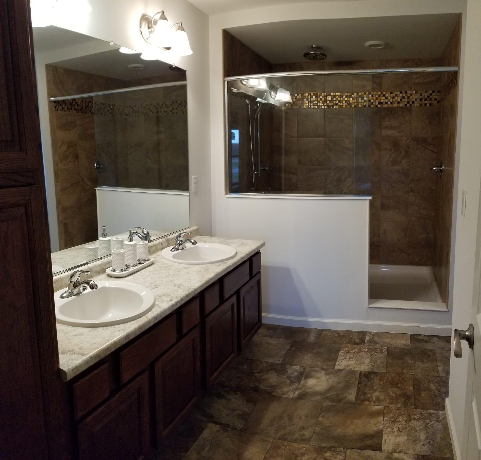 Unibilt Kenwood Jackson Master Bath