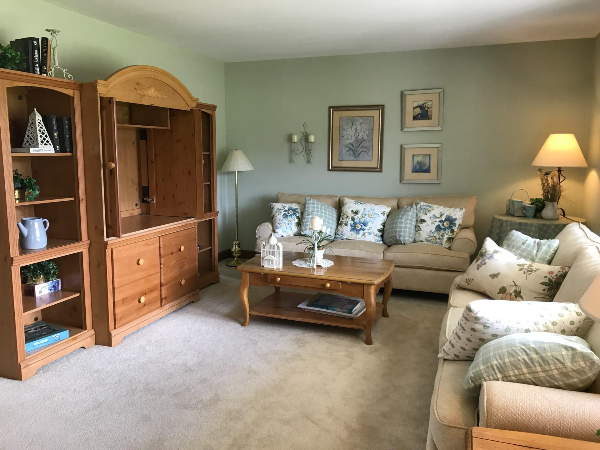 Unibilt Monticello Henderson Living Room