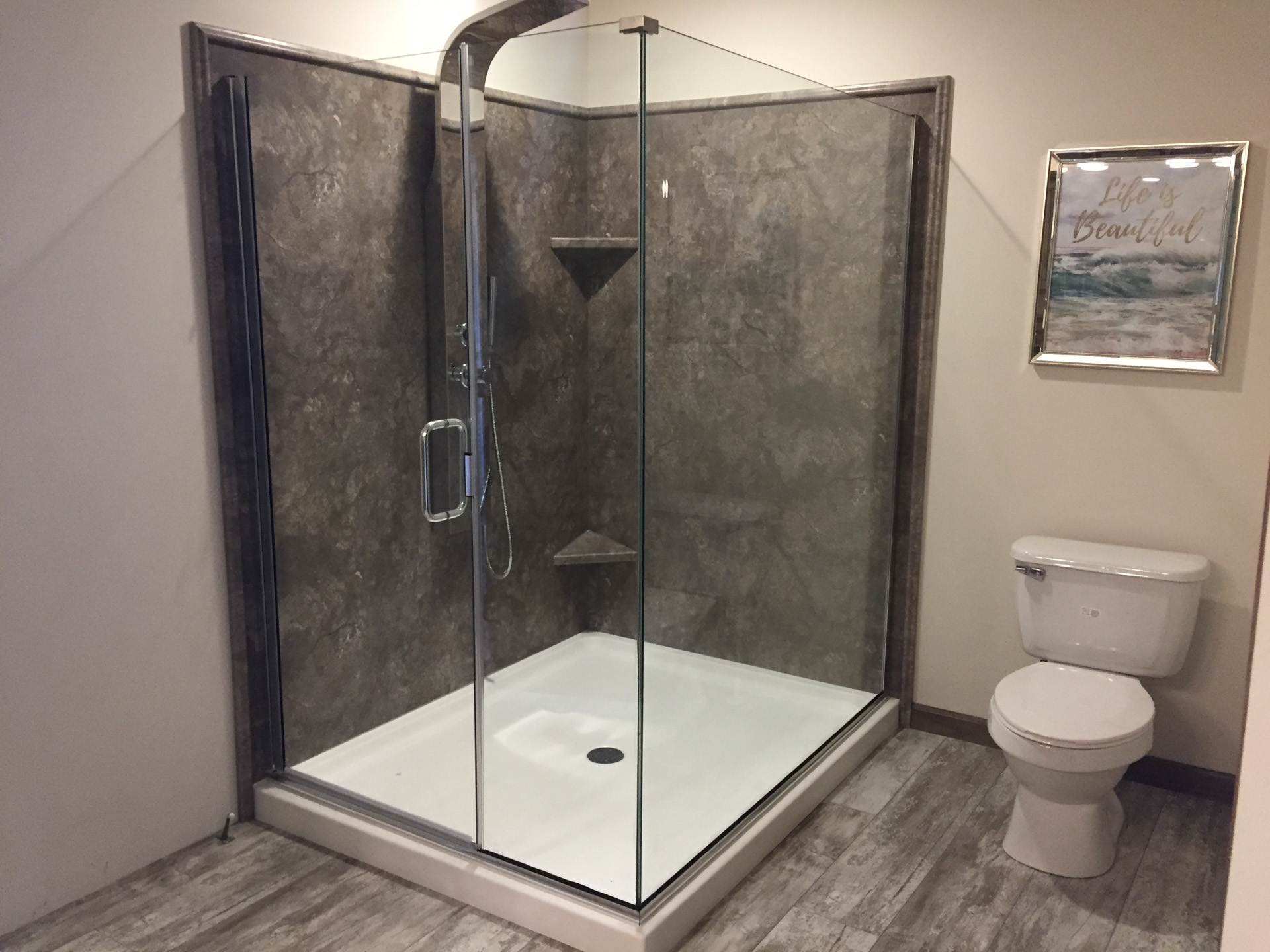 Champion Barton DM6005 Bathroom (3)