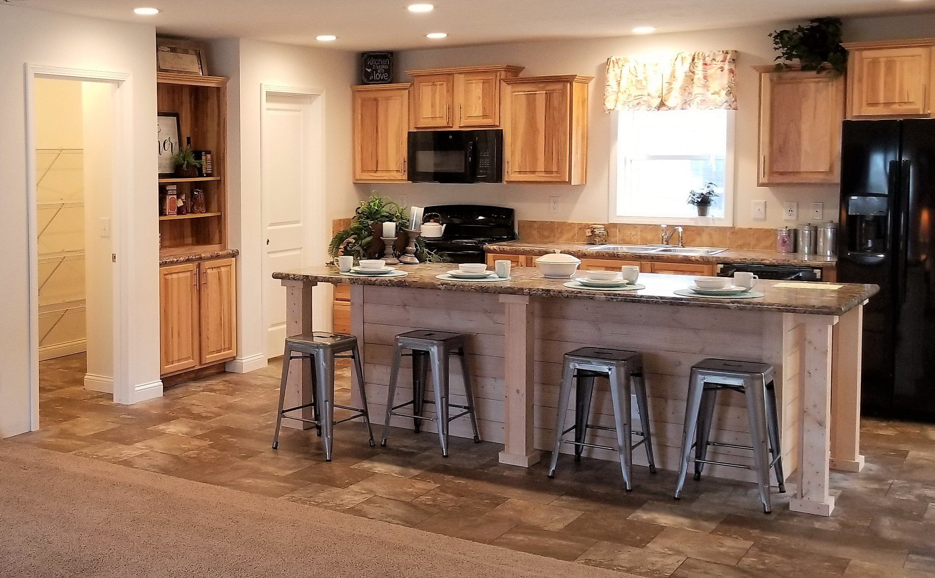 Commodore Limited 2 RG776A Kitchen Henderson 2